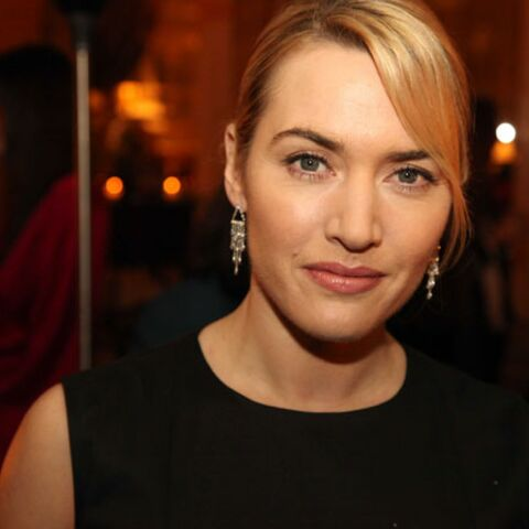 Kate Winslet, Emma Thompson, Rachel Weisz: police anti-peau lisse