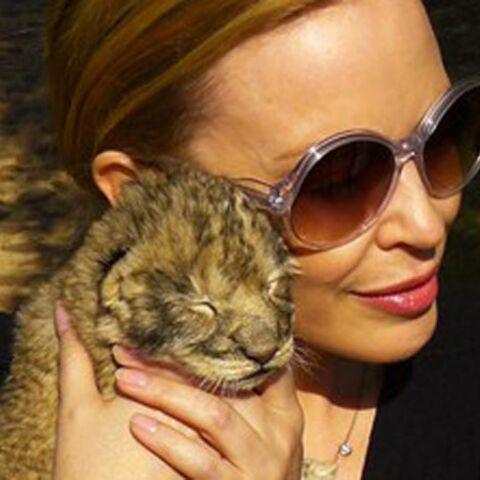 Kylie Minogue adopte en Afrique du Sud