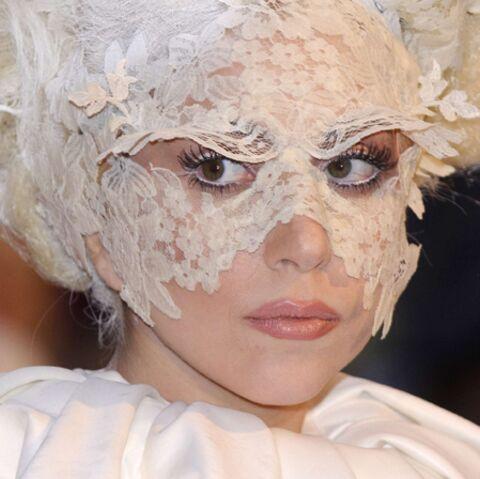 Lady Gaga capote