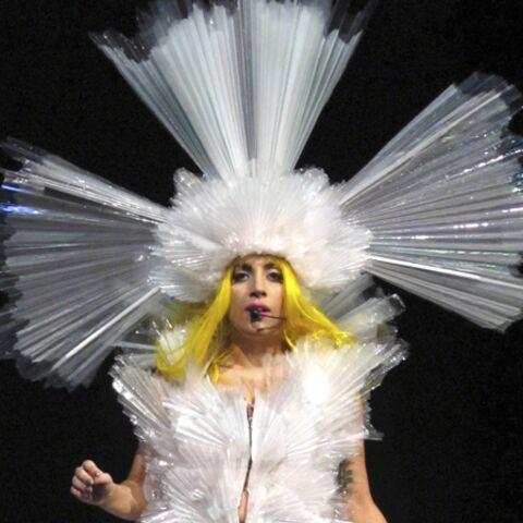 Lady Gaga, la babague au doigt?