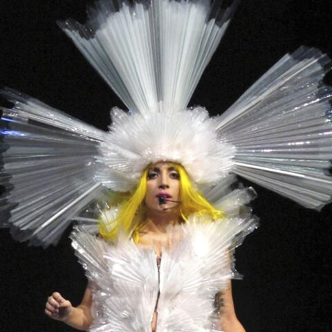 Lady Gaga, son défilé sexy pour Tom Ford