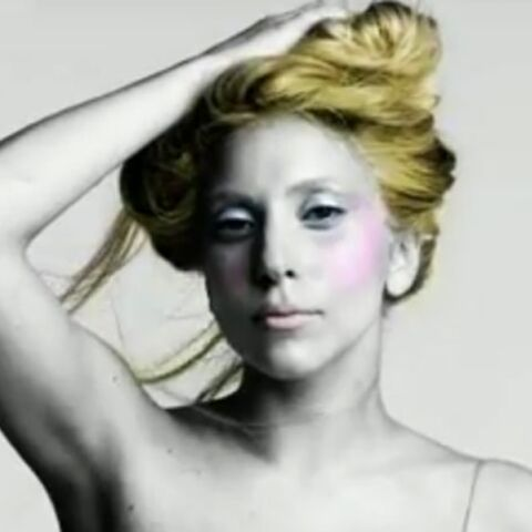 Vidéo – Lady Gaga nymphe couture