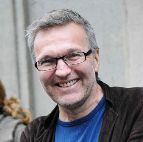 """Laurent Ruquier dément avoir acheté un manoir: """"la presse et les réseaux sociaux sont décidément fous"""""""