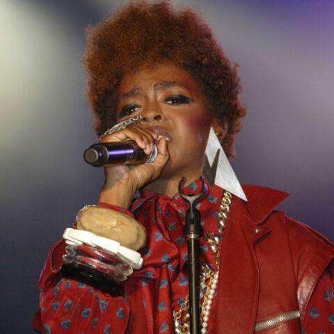Lauryn Hill, le bec cloué pour un ongle