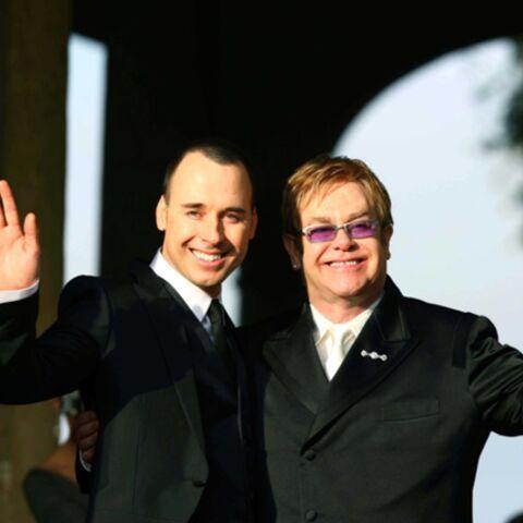 VIDEO- Elton John: il vient d'avoir un fils!