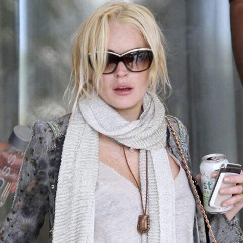 Lindsay Lohan trop fidèle à sa bouteille