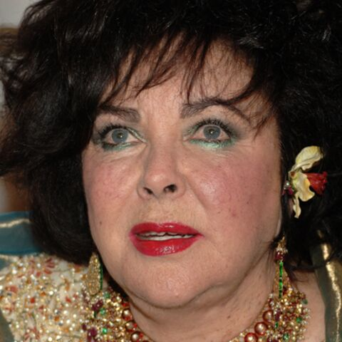 Elizabeth Taylor a été hospitalisée après avoir mélangé alcool et drogue