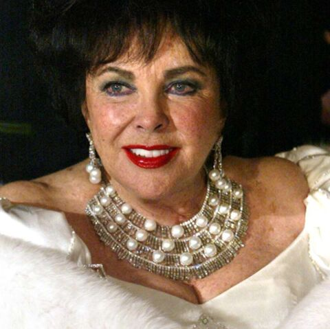 Liz Taylor, clouée au lit et privée de diamants