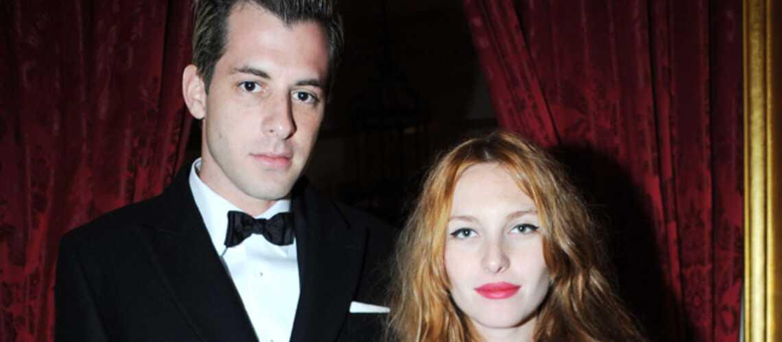Mark Ronson et Joséphine de la Baume vont se dire «yes»