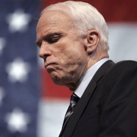 John McCain encaisse le choc