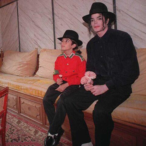 Omar, fils caché de Michael Jackson: un mensonge!