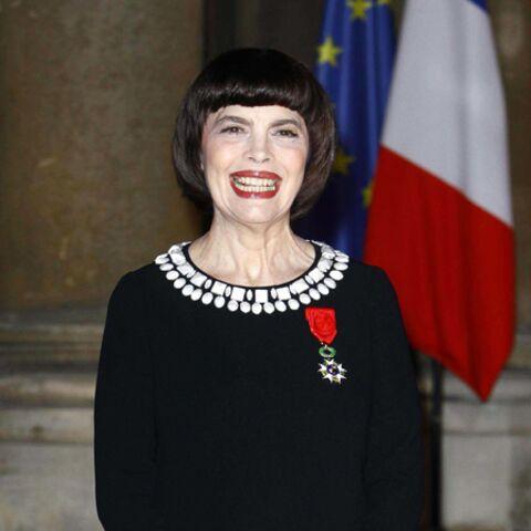 Mireille Mathieu: pas touche à mon bol!