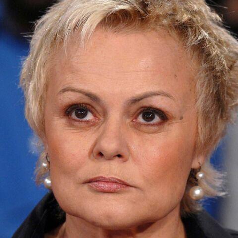Muriel Robin: mère courage?