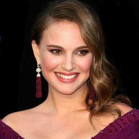 Natalie Portman mange des oeufs