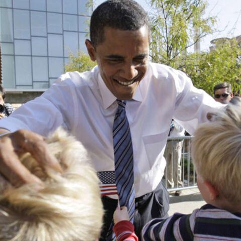 J-4: Obama, détendu, plaisante à propos d'Halloween
