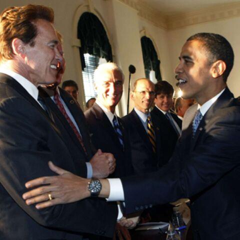 Obama tape dans l'œil de Schwarzenegger