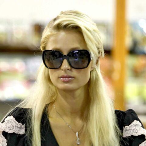 Paris Hilton retourne à l'école
