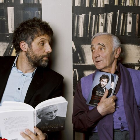 Charles Aznavour, Stéphane Guillon: rencontre inattendue