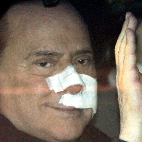Berlusconi: son agression le fait remonter dans les sondages