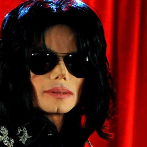 Regardez – Michael Jackson, la sinistre métamorphose