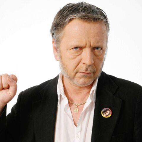 Renaud: son hommage à Charlie, place de la République