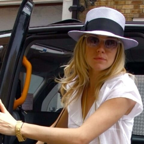 Vidéo: Sienna Miller perd la tête
