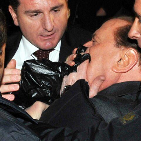 Silvio Berlusconi étouffé par l'affection