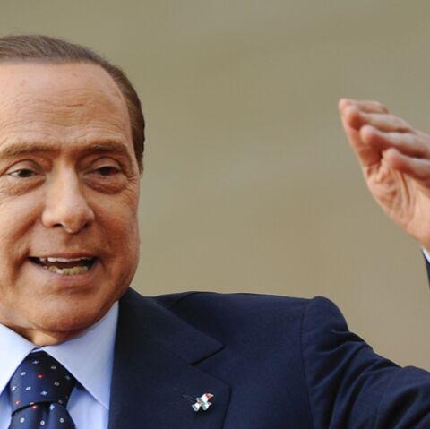 Quand Silvio Berlusconi conte fleurette en chansons