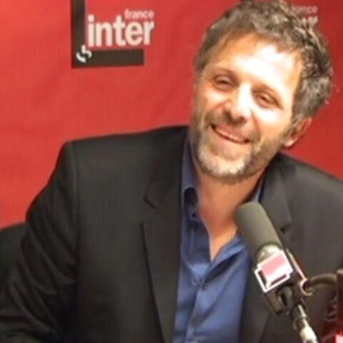 Séquence émotion pour la (probable) dernière chronique de Stéphane Guillon sur Inter