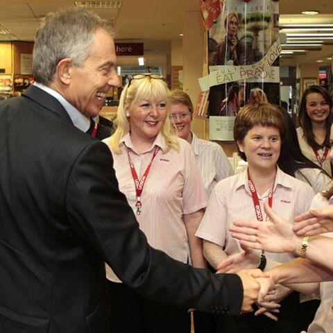 Attentats à la tong contre Tony Blair