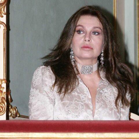 Veronica Lario rejoue la comédie