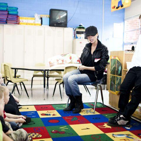 Victoria Beckham initie son fils à l'humanitaire