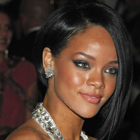 Rihanna poursuivie en justice par des pompes funèbres