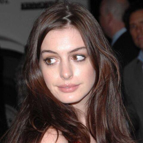 Anne Hathaway dans l'embarras