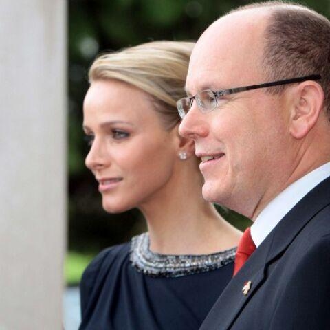 Vidéo: Albert II et Charlène de Monaco à Paris