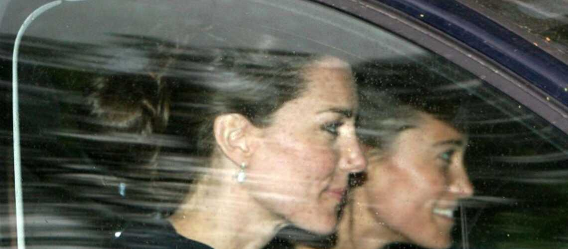Mariage de William et Kate: l'excitation des dernières heures, les premières photos des préparatifs