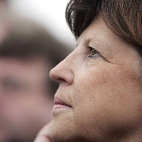 Martine Aubry, nouvelle patronne du PS déjà contestée