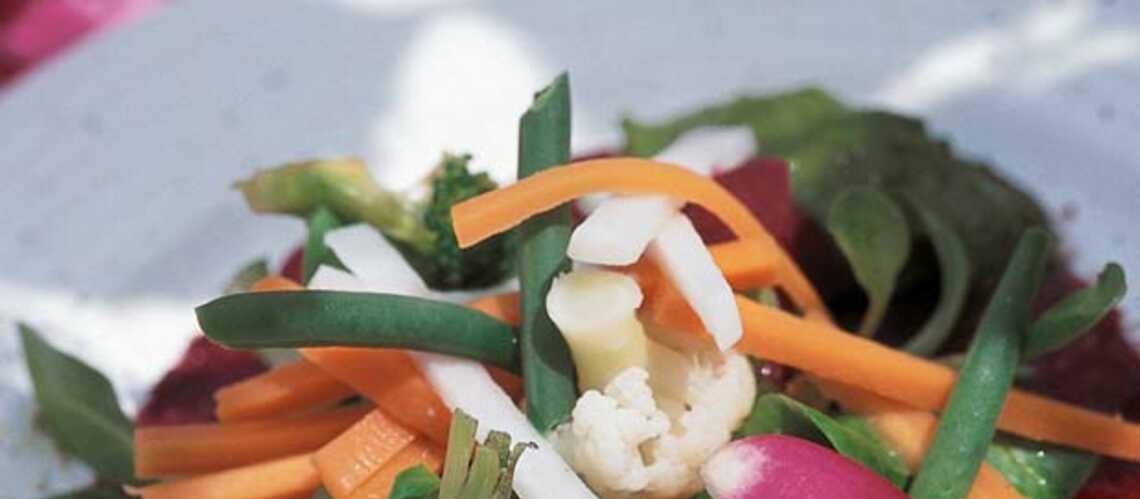 Salade de légumes de saison et pistou