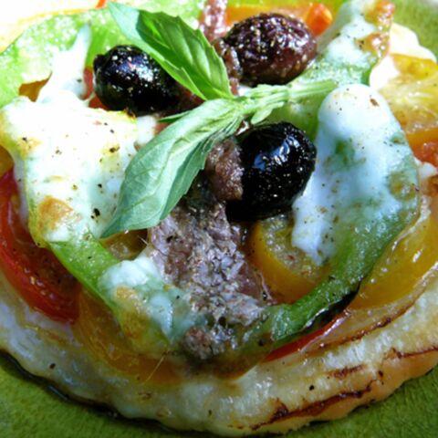 Laura Pausini: Pizza fine à la tomate