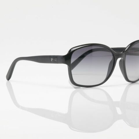Avec Prada Private, customisez vos lunettes