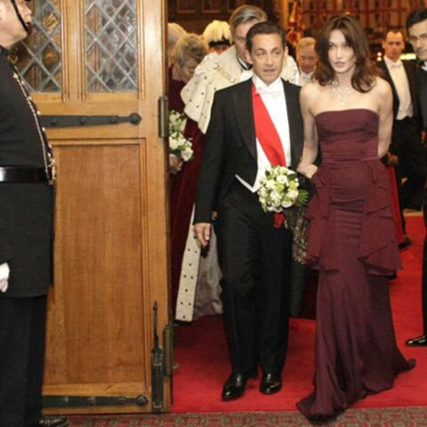 Carla Bruni-Sarkozy se déshabille pour Aides