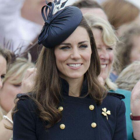 Silhouette militaire chic pour Kate Middleton