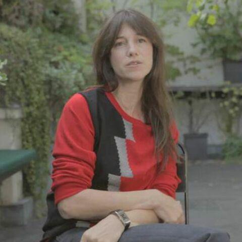 Vidéo – Charlotte Gainsbourg dans l'air du temps