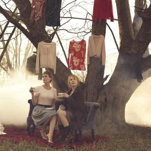 Judith Godrèche et Julie Depardieu jouent les mannequins