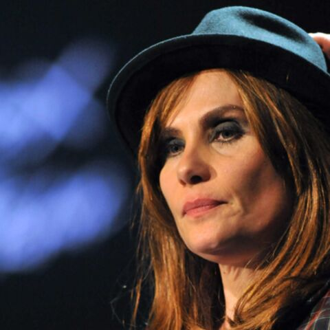 T'as le look… Emmanuelle Seigner!
