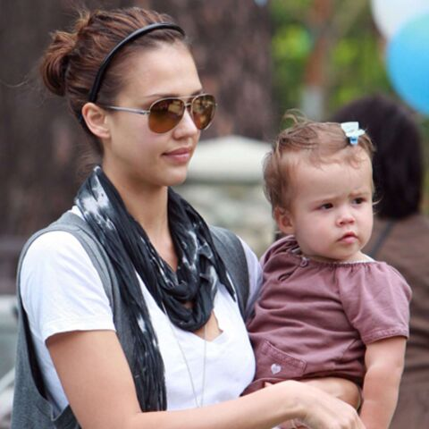 Jessica Alba, Laeticia Casta, Angelina Jolie… Fashion mamans