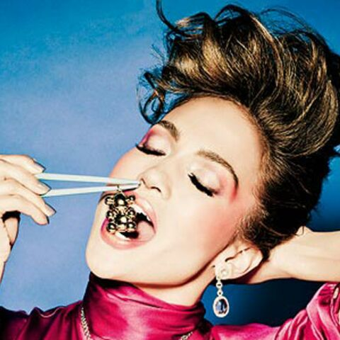 Photos – Jennifer Lopez, geisha croqueuse de bijoux