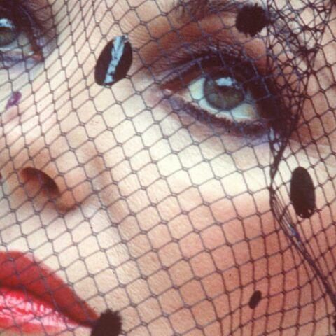 Fashion Flash-Back -Joan Collins
