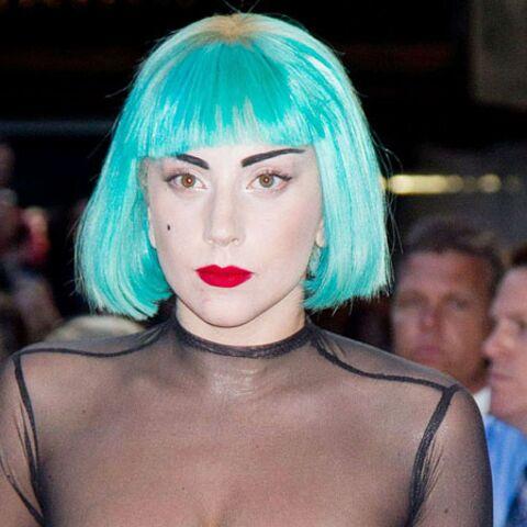 Lady Gaga se met à nu pour la mode