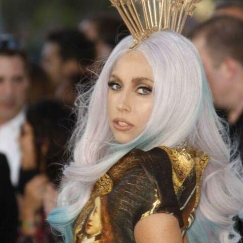 Lady Gaga, Robbie Williams et Pink se font des cheveux blancs